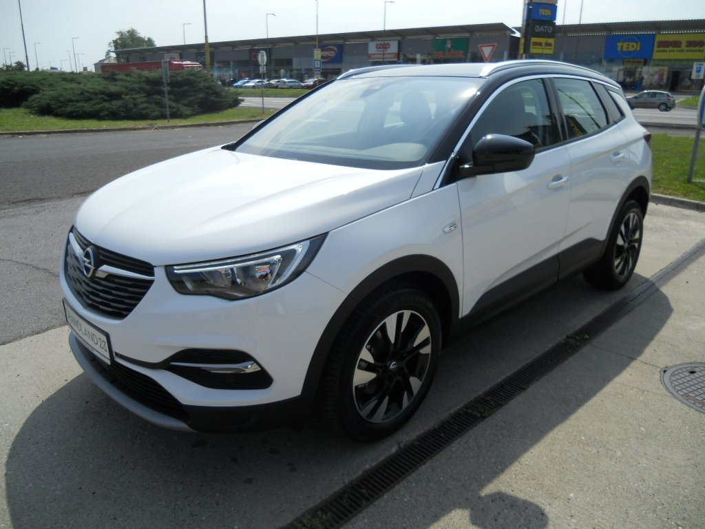 Opel Grandland X Innovation 1,2 Turbo 130k MT6