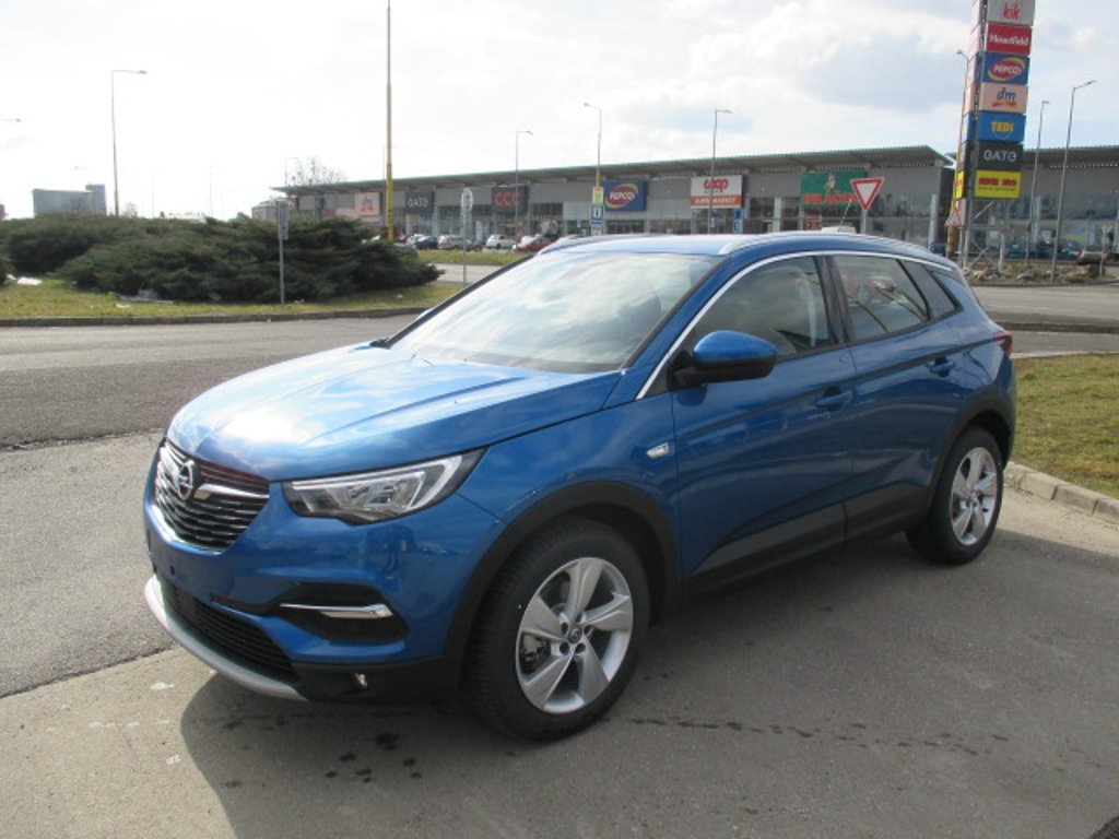 Opel Grandland X Innovation 1,6 Turbo 180k AT8